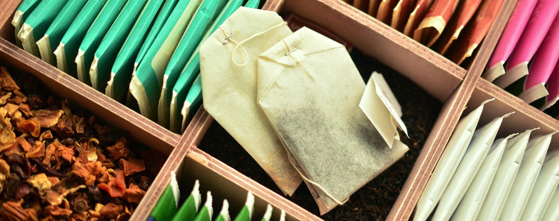 itsetehdyt rasiat teepusseille ja irtoteelle ovat hyvä lahja teeharrastajalle.